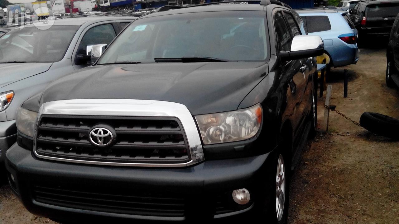 Toyota Sequoia 2011 Gray
