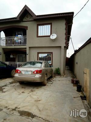 Classic And Clean 2 Bedroom Flat to Let at Odofin Estate | Houses & Apartments For Rent for sale in Lagos State, Ikorodu