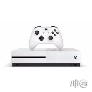 Xbox One S FIFA 17 Console Bundle - 500GB | Video Game Consoles for sale in Lagos State
