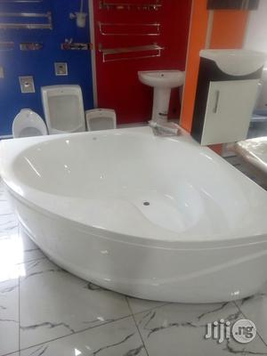 150×150 Corner Bath | Plumbing & Water Supply for sale in Lagos State, Orile
