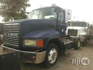 Tokunbo CH Mack Six Tyres Trailer Head Truck | Trucks & Trailers for sale in Lagos State, Apapa