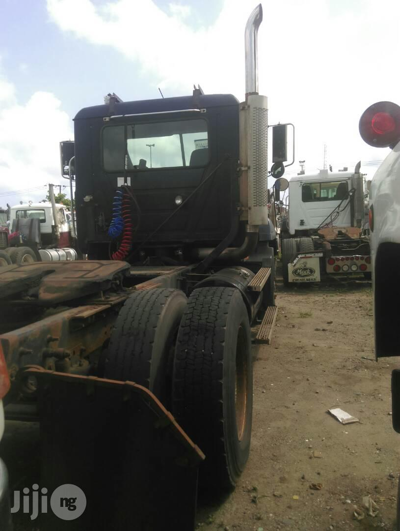 Tokunbo CH Mack Six Tyres Trailer Head Truck   Trucks & Trailers for sale in Apapa, Lagos State, Nigeria