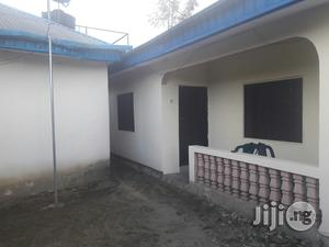 3 Bedrooms Flat, 2 Bedrooms Flat And 5 Shops For Sale   Houses & Apartments For Sale for sale in Akwa Ibom State, Uyo