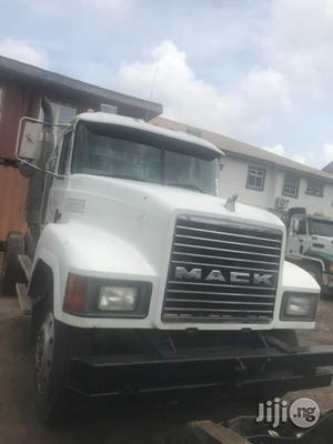 Tokunbo CH Series Mack Truck Head 1996 WHITE | Trucks & Trailers for sale in Lagos State, Amuwo-Odofin