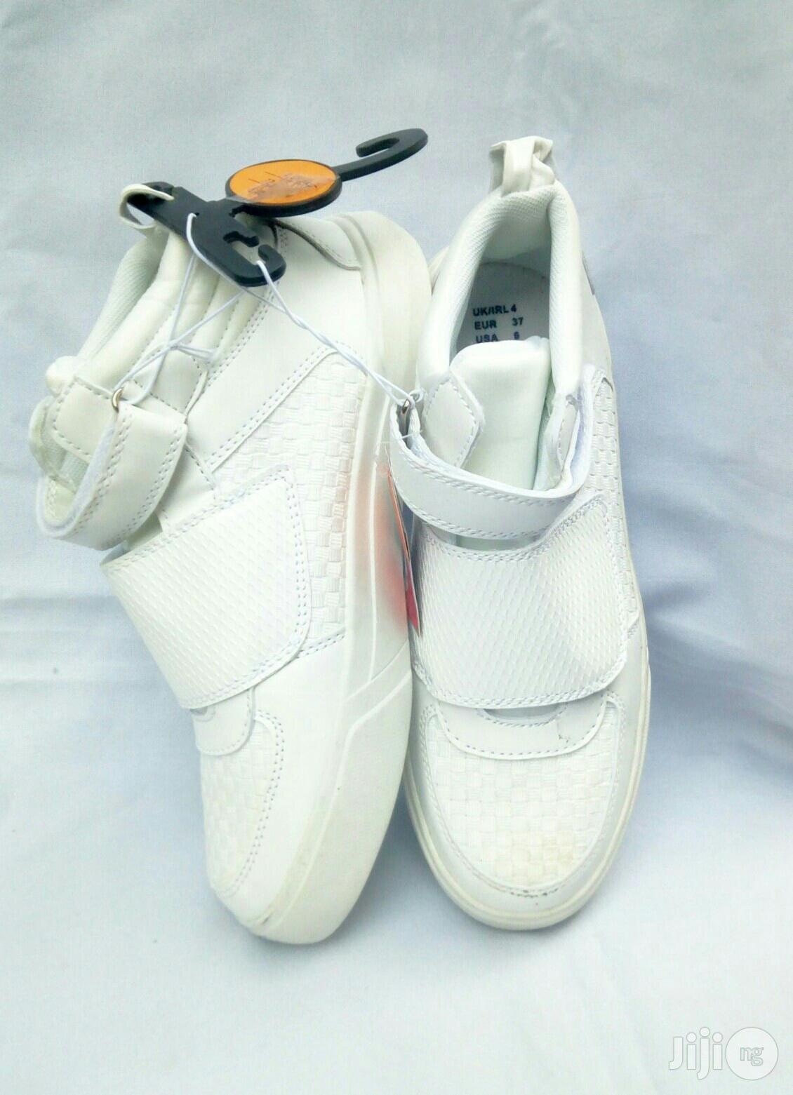 High Top Off White Canvas   Children's Shoes for sale in Lagos Island (Eko), Lagos State, Nigeria