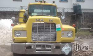 Tokunbo R-model Mack Truck Head 1996   Trucks & Trailers for sale in Lagos State, Amuwo-Odofin