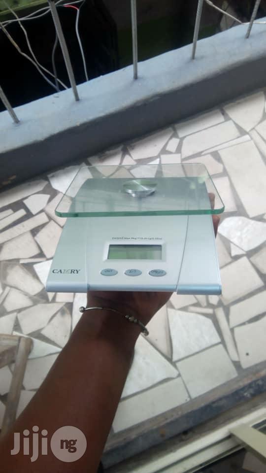 Digital Weighing Scale 5kg Camry