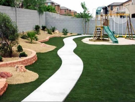 Artificial Grass Decoration For School Playground
