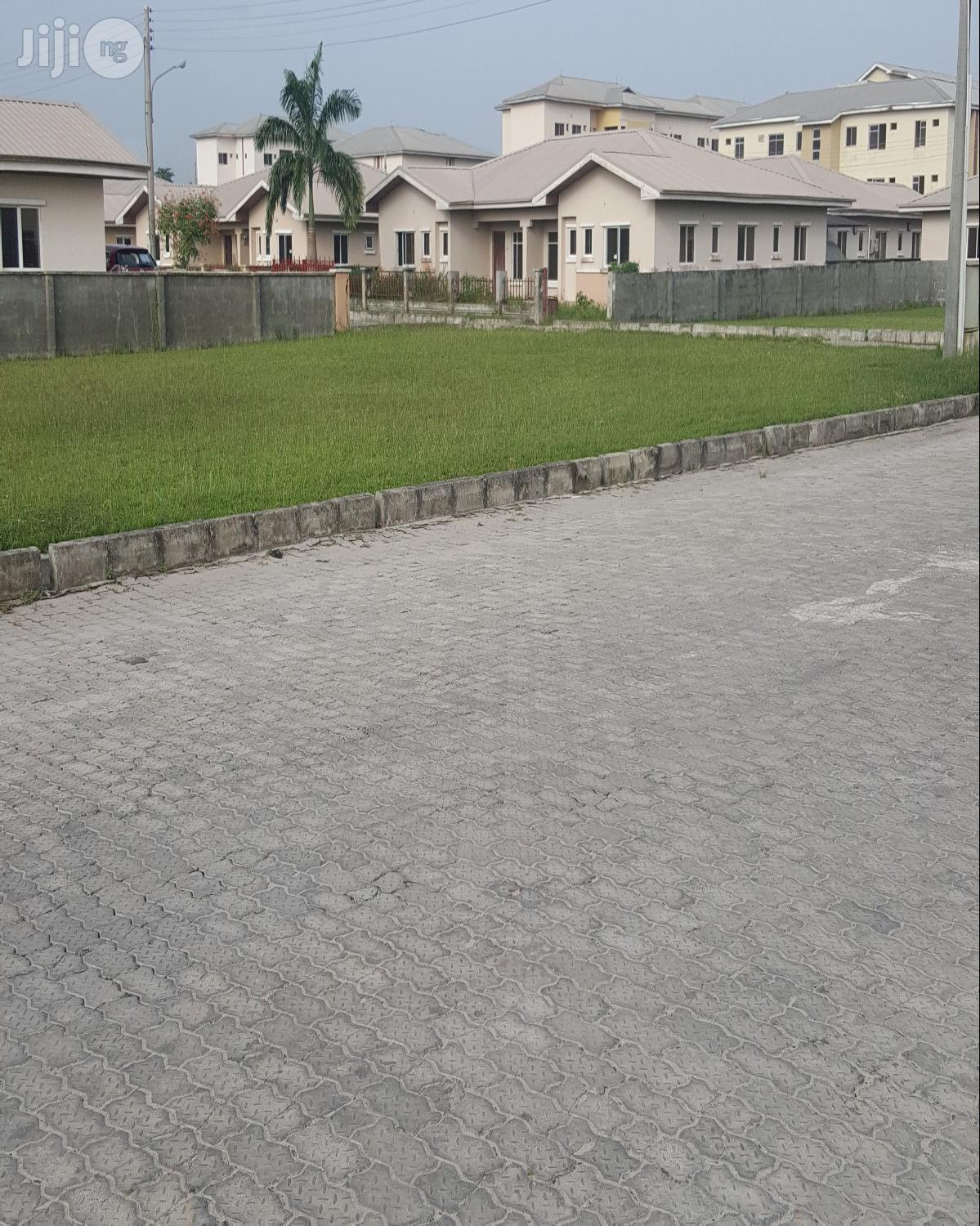 3 Bedroom Flat | Houses & Apartments For Rent for sale in Ajah, Lagos State, Nigeria