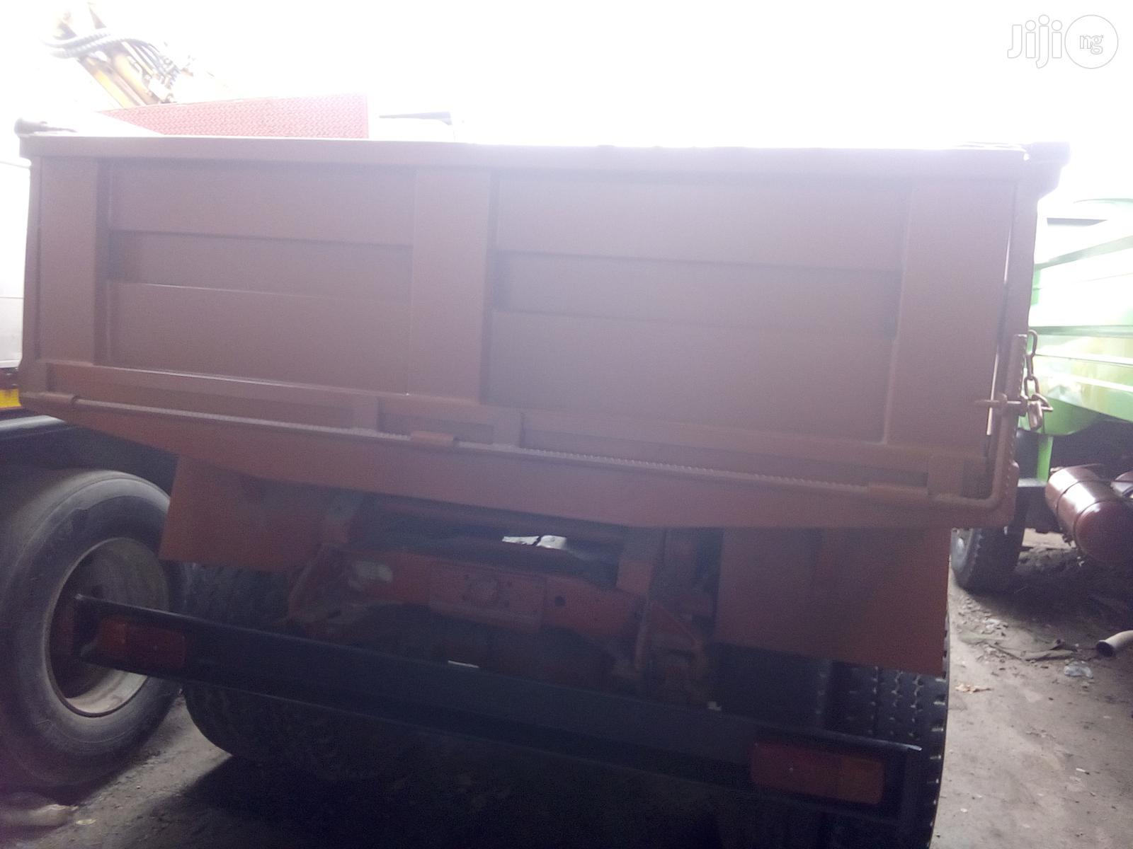 Mercedes Benz 911 1993 Orange Tipper Tokunbo   Trucks & Trailers for sale in Apapa, Lagos State, Nigeria