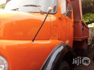 Mercedes Benz 911 1993 Orange Tipper Tokunbo | Trucks & Trailers for sale in Lagos State, Apapa