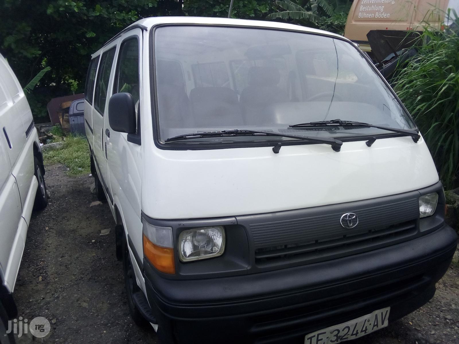 Toyota Hiace 1995 White | Buses & Microbuses for sale in Apapa, Lagos State, Nigeria