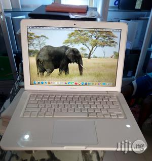 Clean UK Used Apple Macbook - Unibody - HDD 250 - 4gb Ram | Laptops & Computers for sale in Lagos State, Maryland