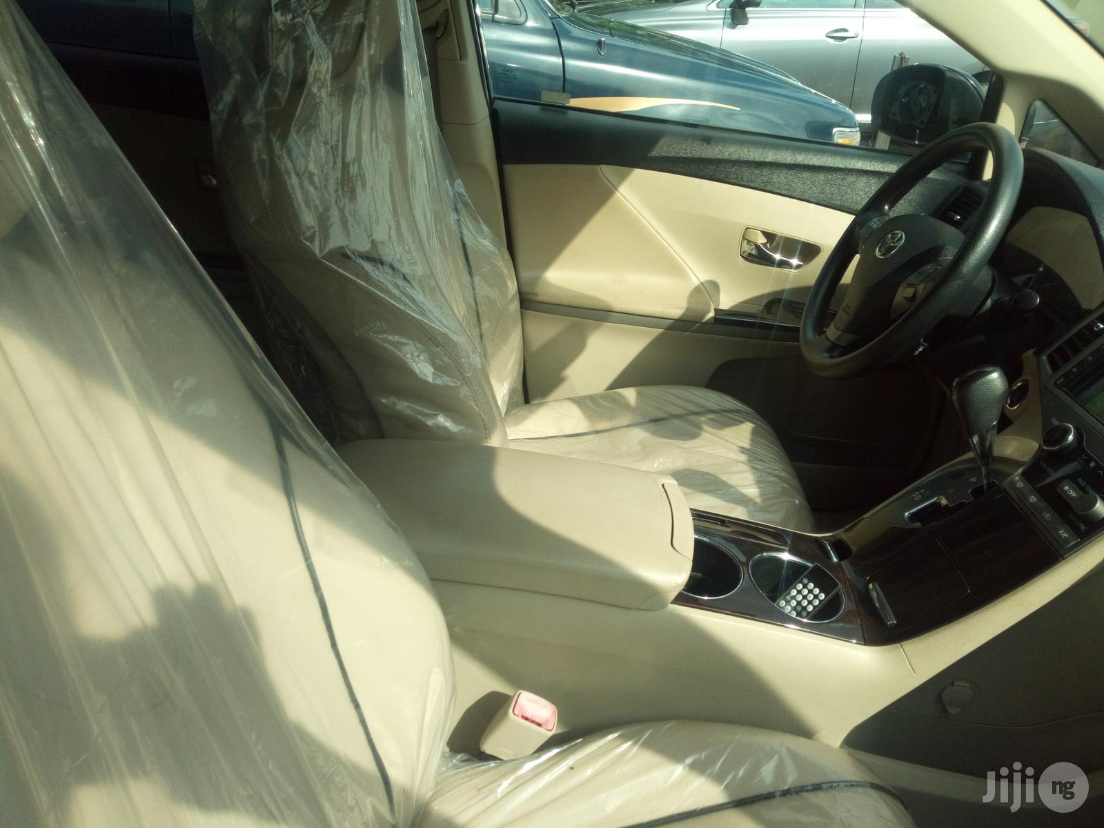 Archive: Toyota Venza 2010 Black