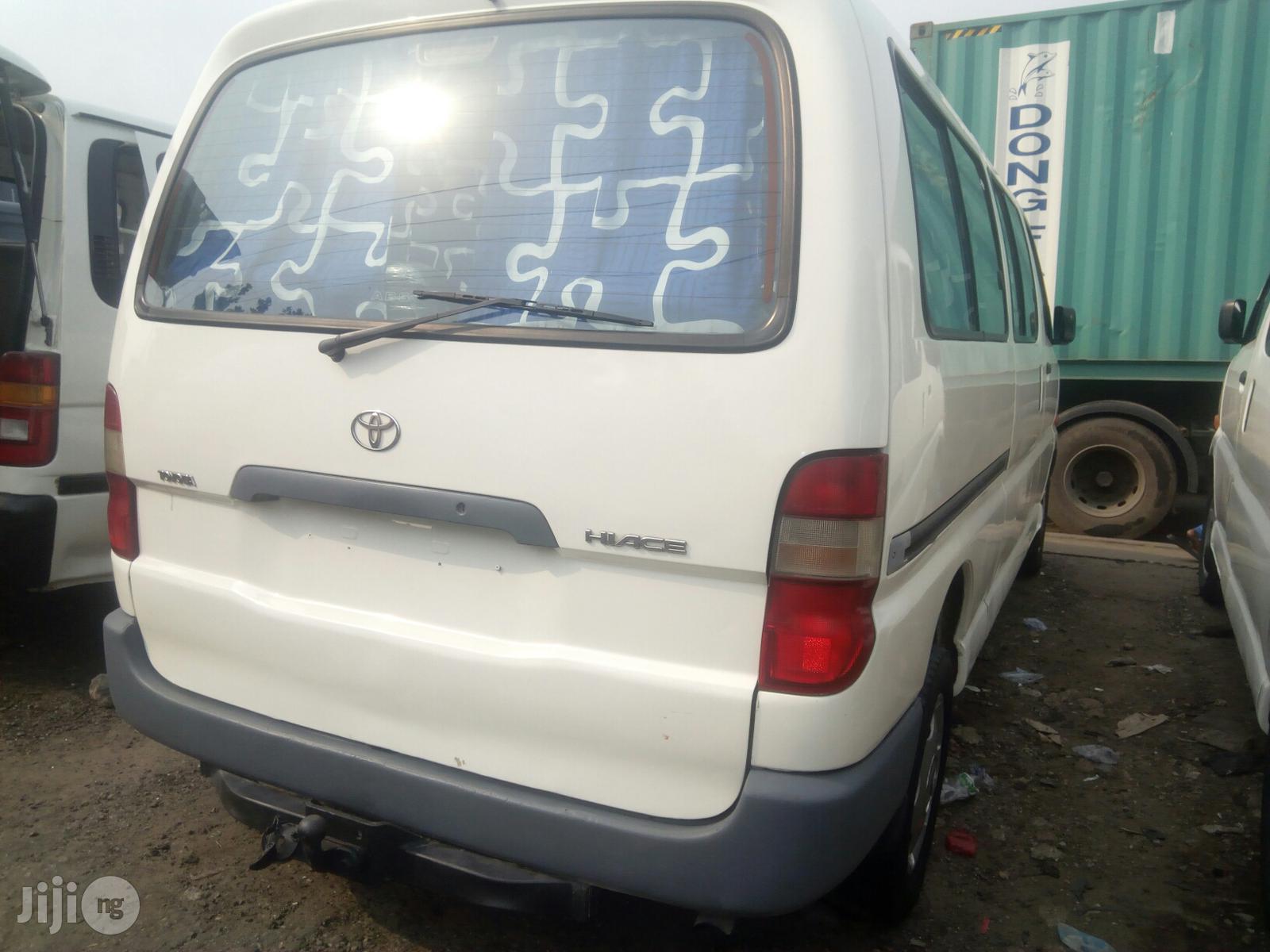 Toyota Hiace 2001 White | Buses & Microbuses for sale in Amuwo-Odofin, Lagos State, Nigeria