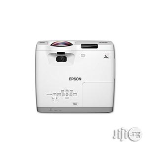 Epson Powerlite 525W WXGA Projector With 2800 Lumens | TV & DVD Equipment for sale in Lagos State, Ikeja