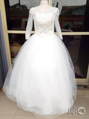 Brand New Sparkling White Wedding Gown | Wedding Wear & Accessories for sale in Lagos State, Alimosho
