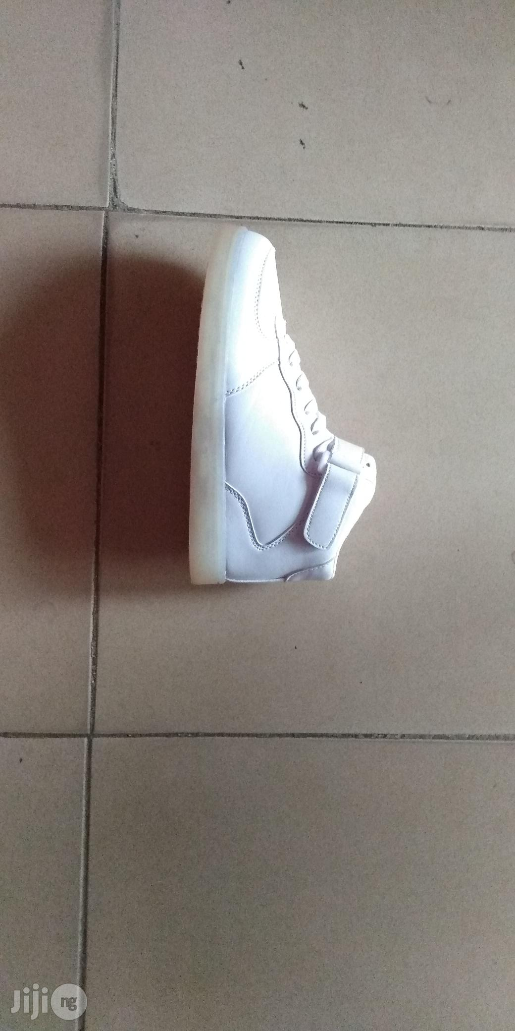 Led White Canvas Sneakers