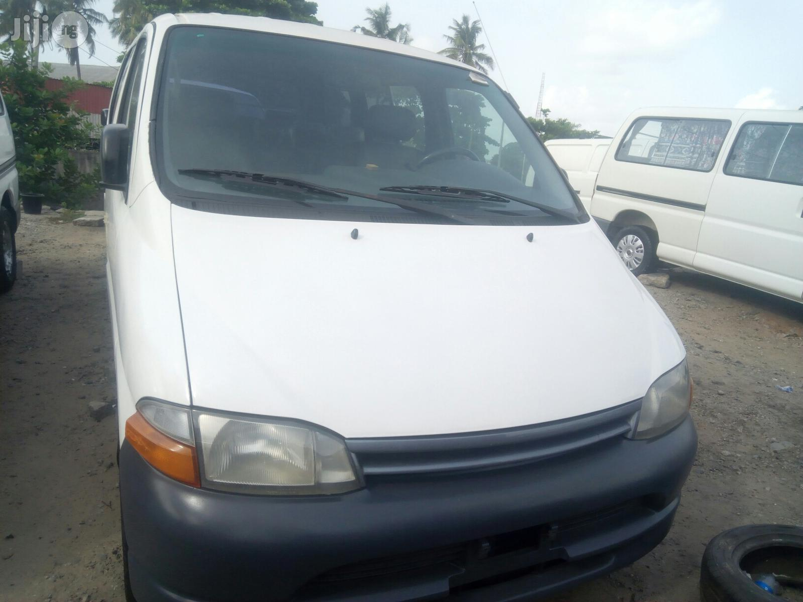 Toyota Hiace 2000 White   Buses & Microbuses for sale in Surulere, Lagos State, Nigeria