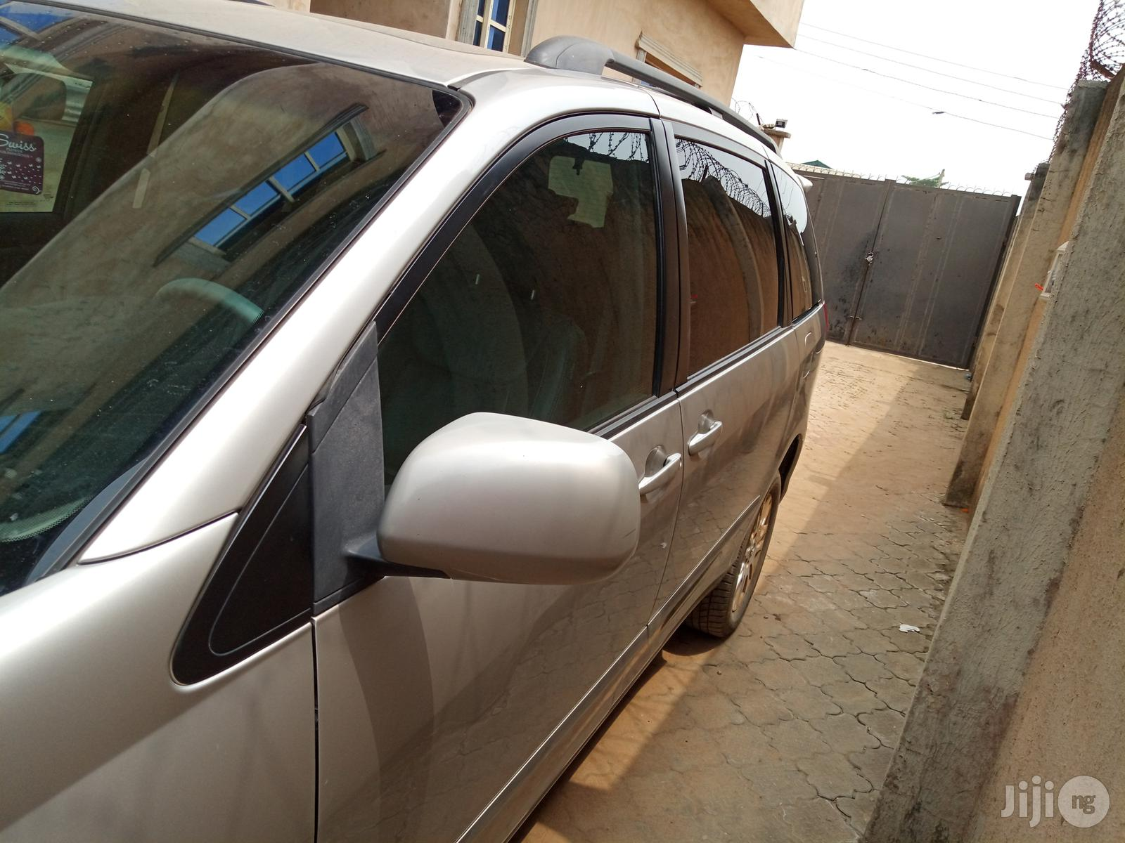 Mini Van Hire   Chauffeur & Airport transfer Services for sale in Alimosho, Lagos State, Nigeria