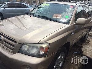 Toyota Highlander 2004 Limited V6 4x4 Gold | Cars for sale in Lagos State, Ikeja