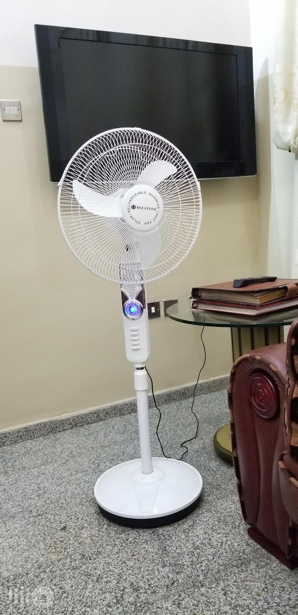 Dizatone Solar Rechargeable Fan