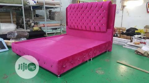 Boll, Upholstery Bed 6 By 6
