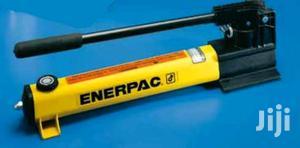 Enerpac P2282 - Hand Pumps 2 Etapas 2800 Bars | Safetywear & Equipment for sale in Lagos State, Lagos Island (Eko)