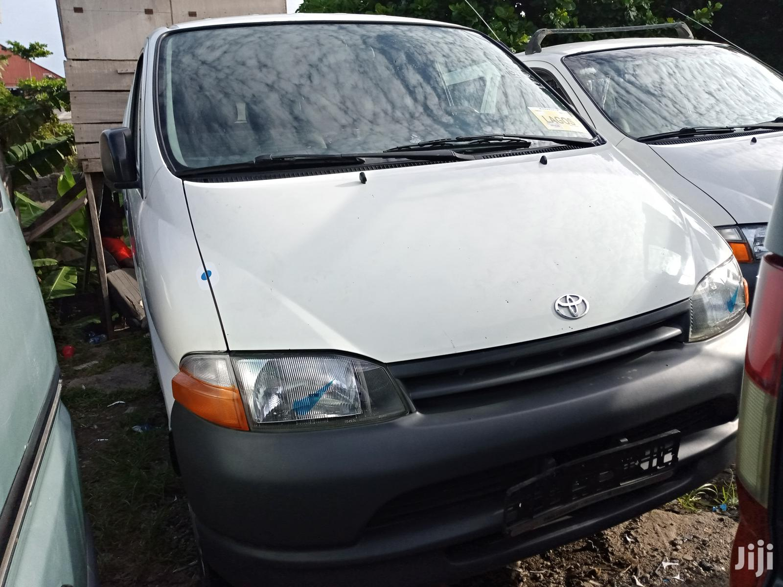Toyota HiAce 2001 White   Buses & Microbuses for sale in Apapa, Lagos State, Nigeria