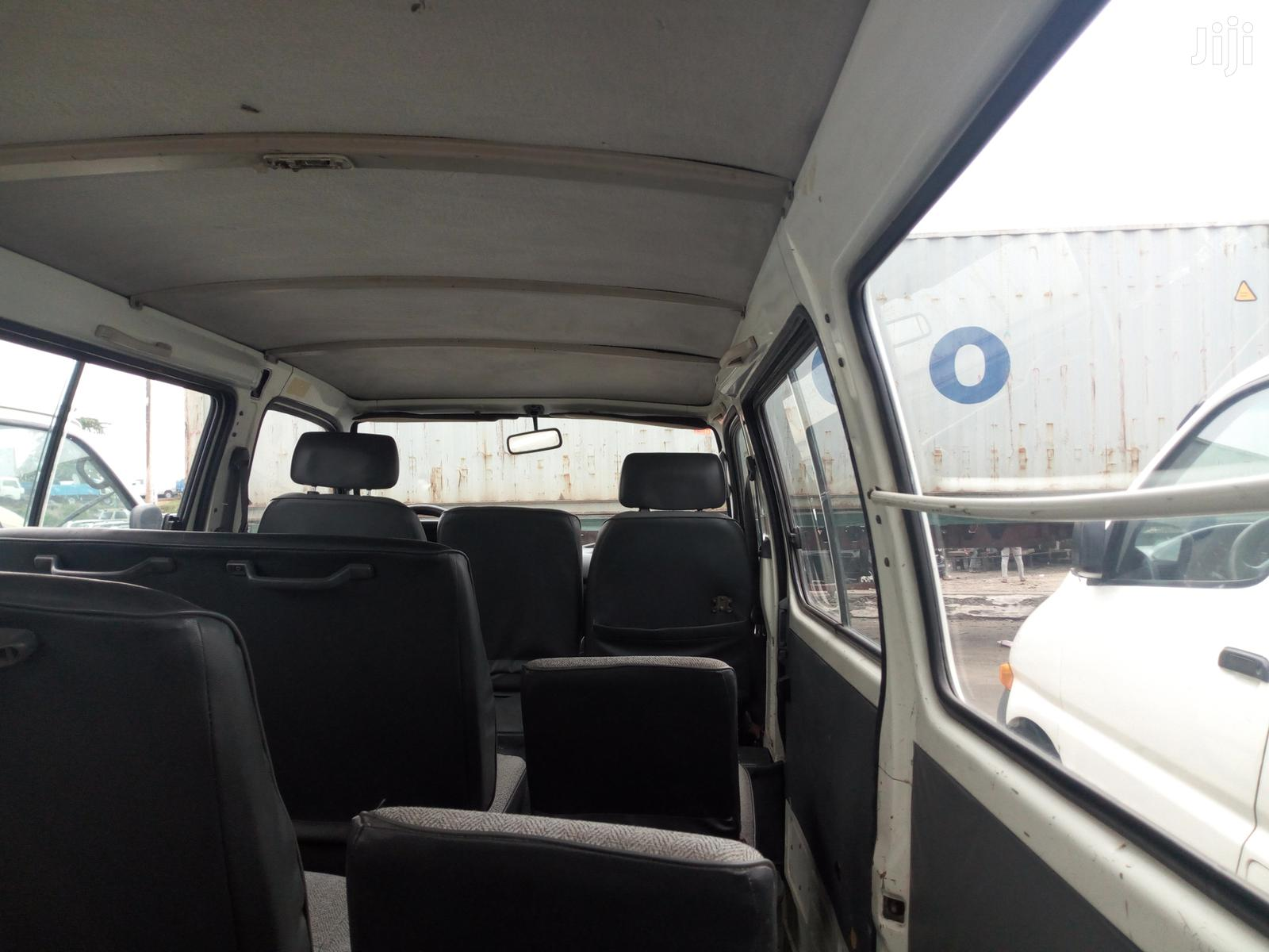 Archive: Toyota Hiace 2000 Model White Colour Sharp And Clean