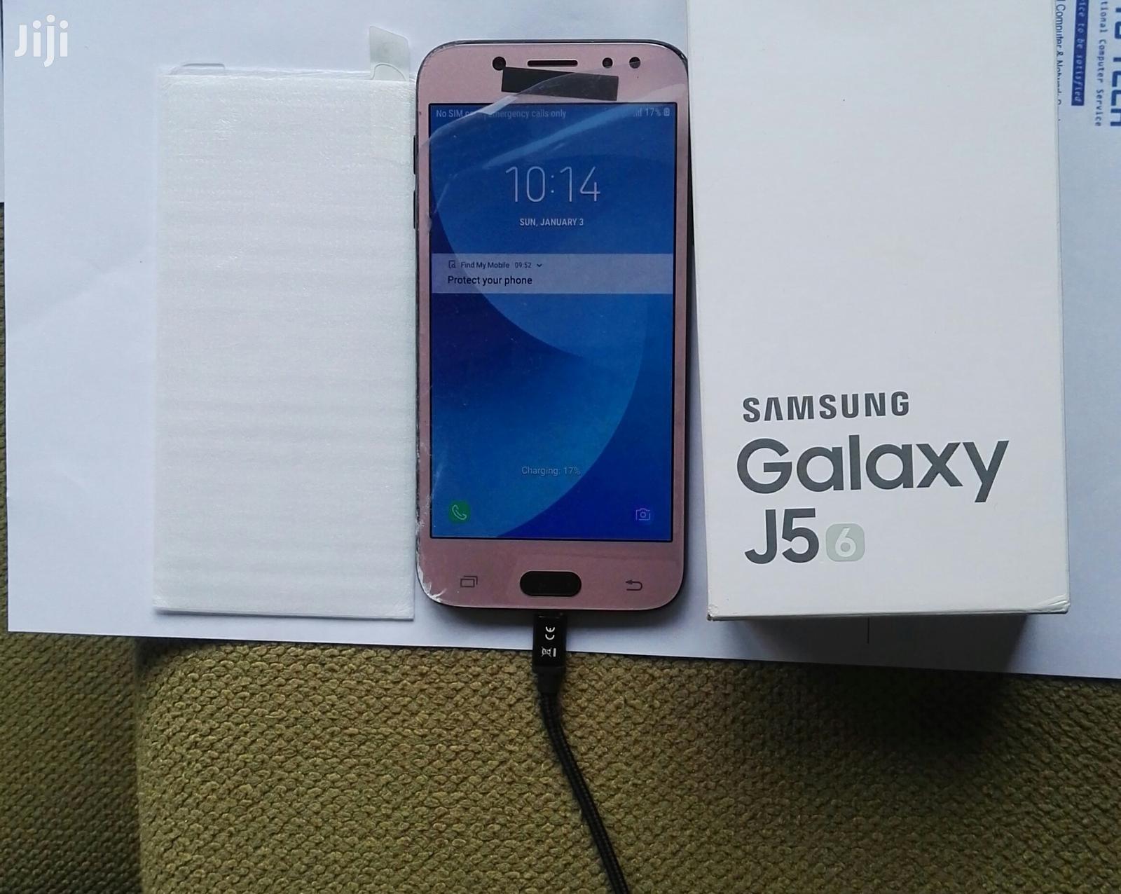 Samsung Galaxy J5 16 GB Pink