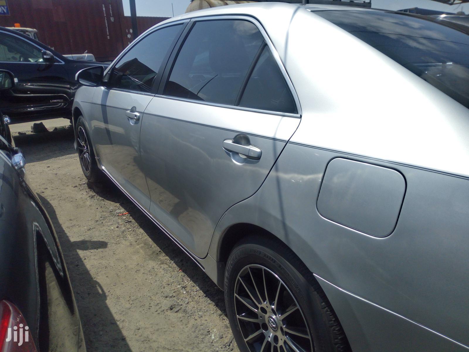 Toyota Camry 2012 Silver | Cars for sale in Amuwo-Odofin, Lagos State, Nigeria