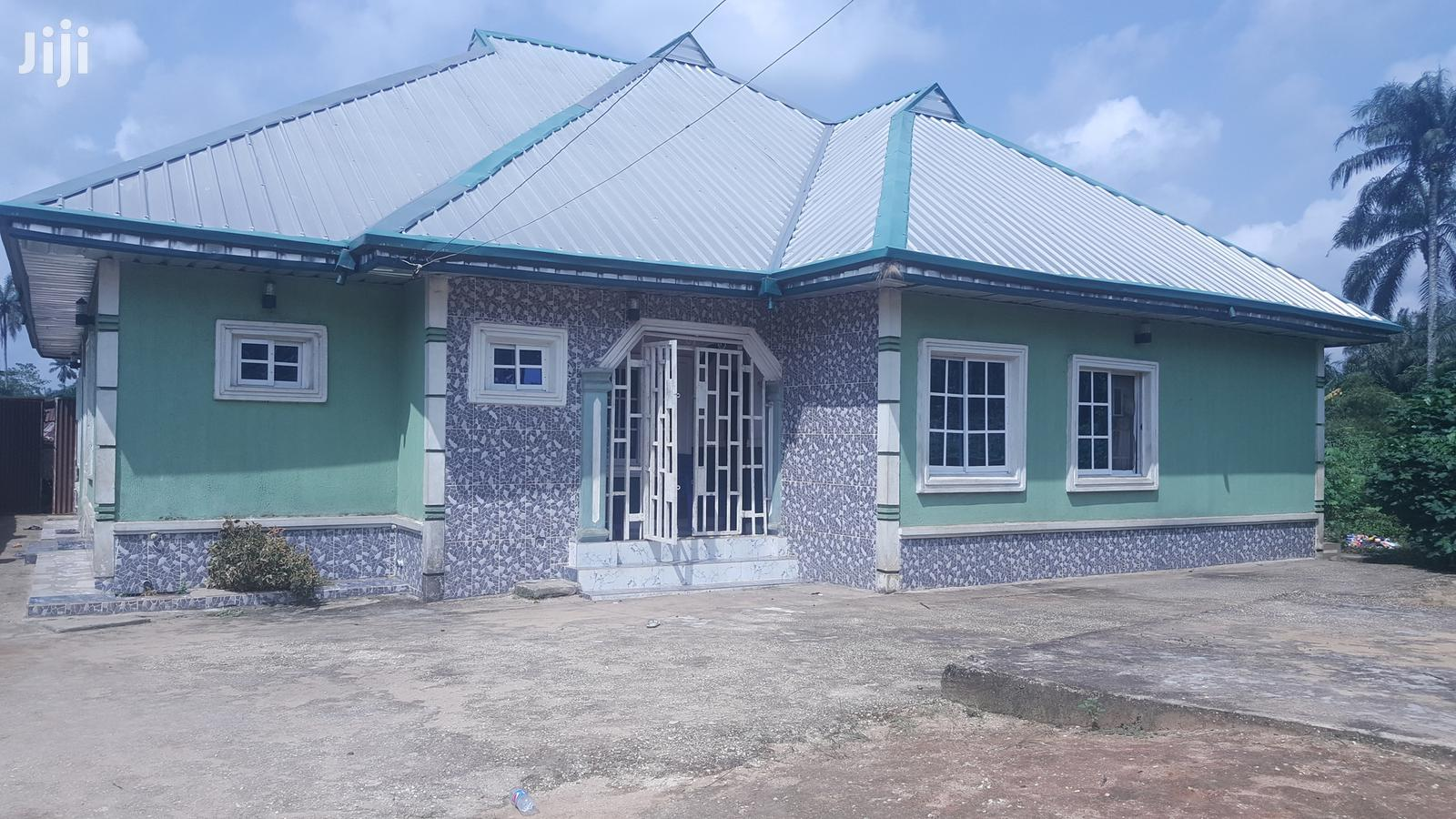 For Sale: 4 Bedrooms Flat at Ikot Ambon Off Aka Nung Udoe Road.
