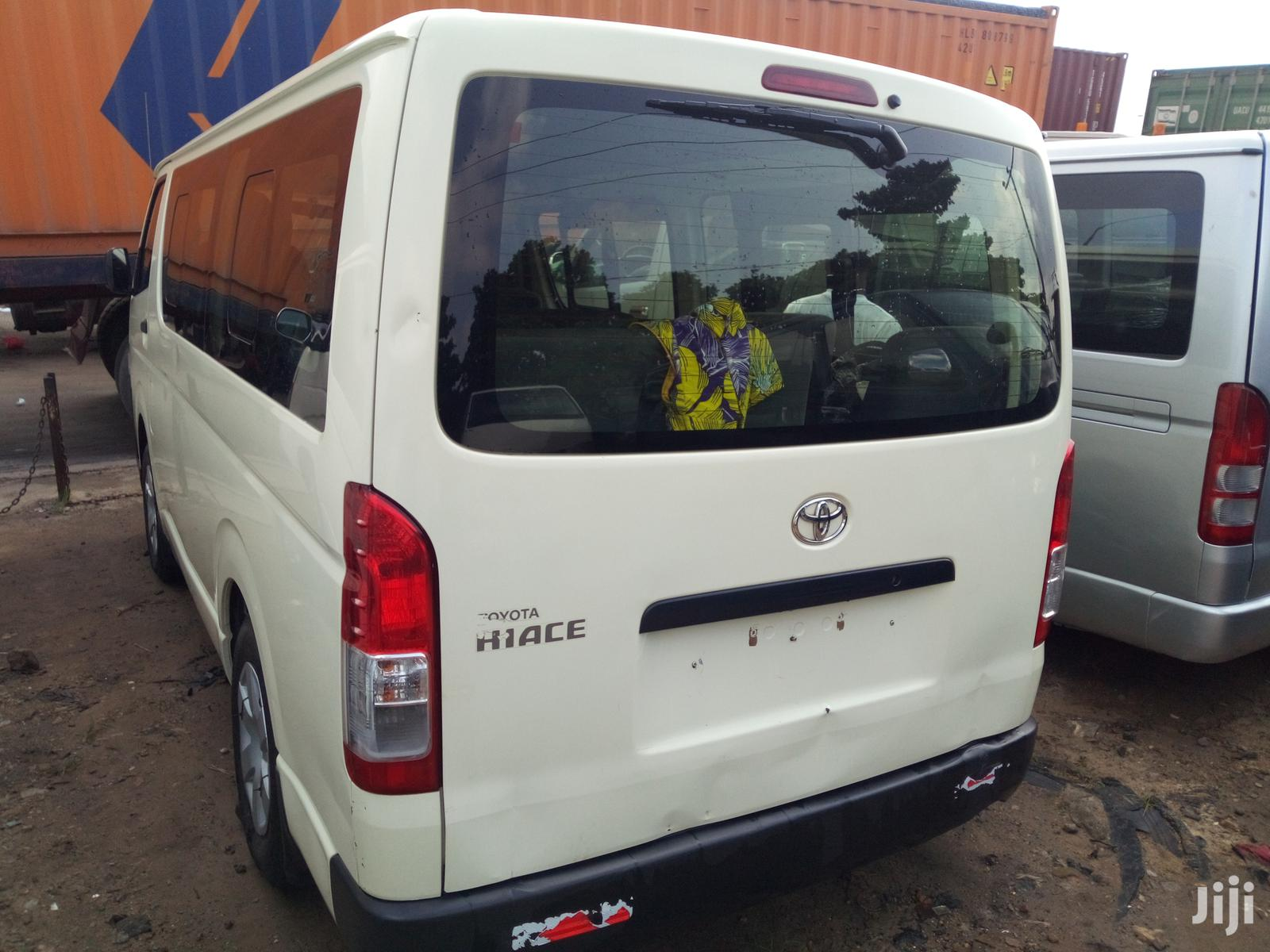 Toyota HiAce 2016 White   Buses & Microbuses for sale in Apapa, Lagos State, Nigeria