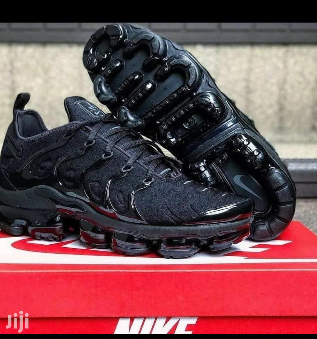 Nike Airmax Black Sneakers