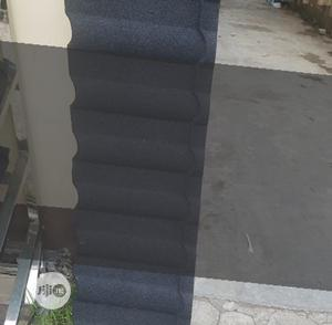 Shingle New Zealand Gerard Stone Coated Roof Tile Black And White | Building Materials for sale in Lagos State, Lekki