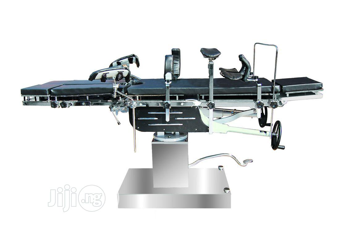 Operating Table(Hydraulic Surgical Operating Table)