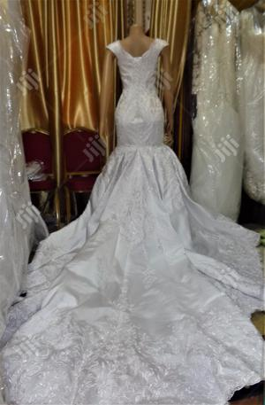 Wedding Gown for Rent With Veil, Basket Robe | Wedding Wear & Accessories for sale in Lagos State, Magodo