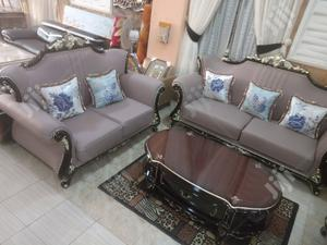 Imported Leather Royal Sofa Chair. With Center Table | Furniture for sale in Lagos State