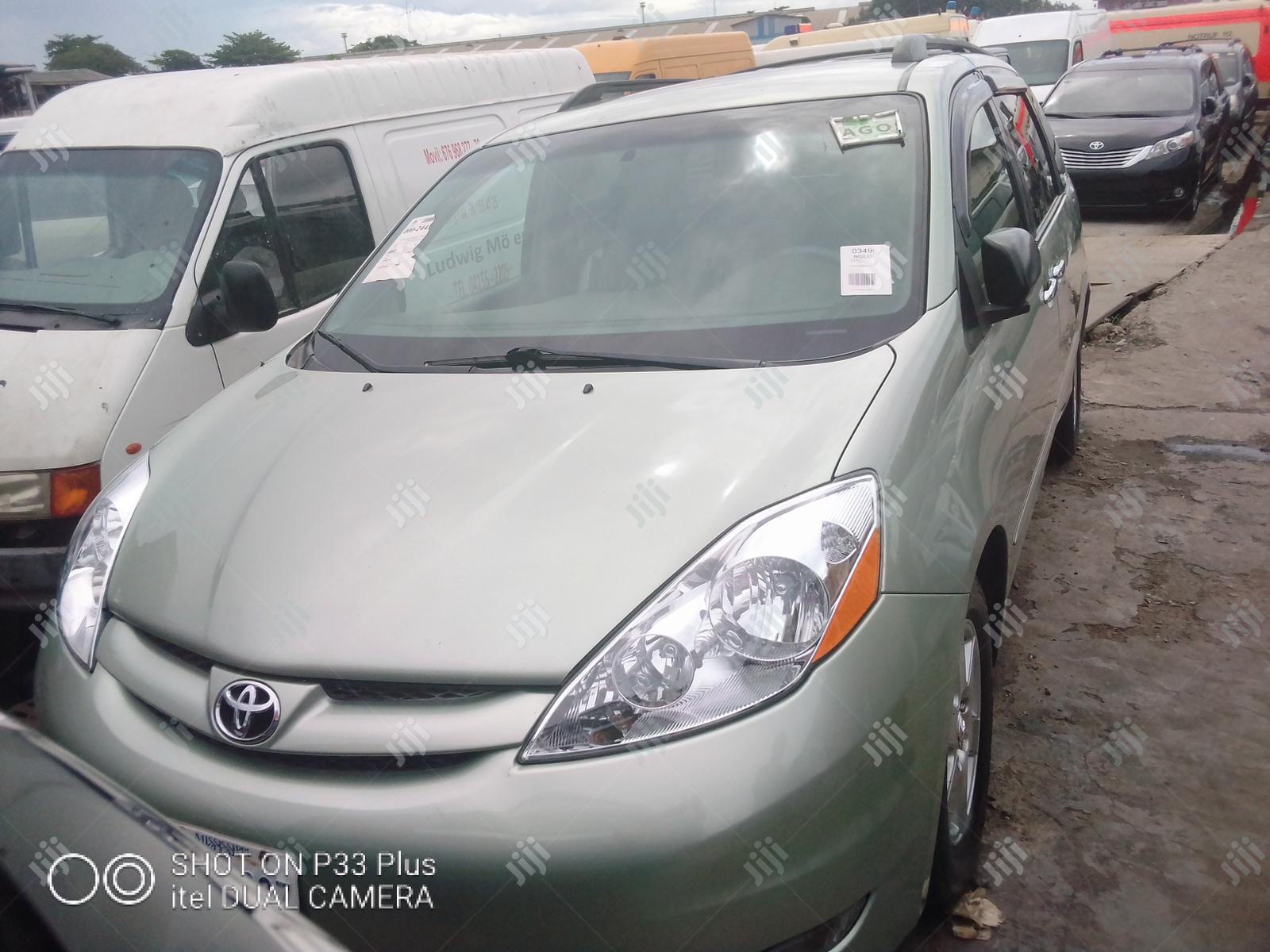 Toyota Sienna 2007 XLE Green   Cars for sale in Apapa, Lagos State, Nigeria