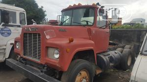 Tokunbo Ten Bolts R Model MACK Truck 12valves Double Lever   Trucks & Trailers for sale in Lagos State, Apapa