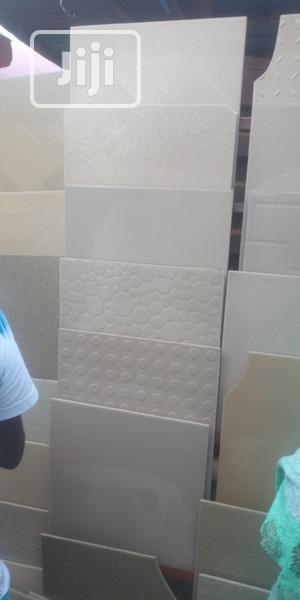 Tiles- 40x40 G/W Plain (Carton Price)   Building Materials for sale in Ogun State, Abeokuta South