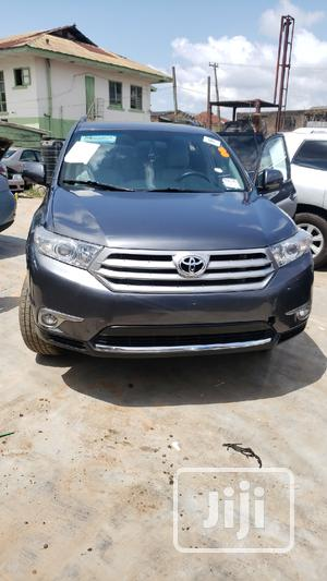 Toyota Highlander 2013 SE 3.5L 4WD Gray | Cars for sale in Oyo State, Ibadan