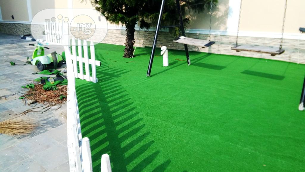 Beautify Playground With Artificial Grass For Children