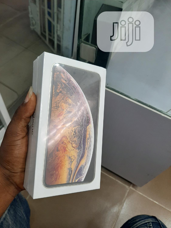 New Apple iPhone XS Max 64 GB Gold