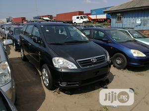 Toyota Avensis 2004 Verso Automatic Black | Cars for sale in Lagos State, Apapa