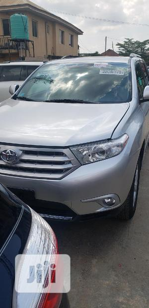 Toyota Highlander 2013 SE 3.5L 4WD Silver | Cars for sale in Oyo State, Ibadan