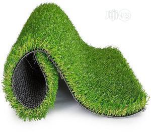 New & Original 35mm Artificial Green Grass Carpet For Indoor & Outdoor Decoration. | Garden for sale in Lagos State, Ikorodu