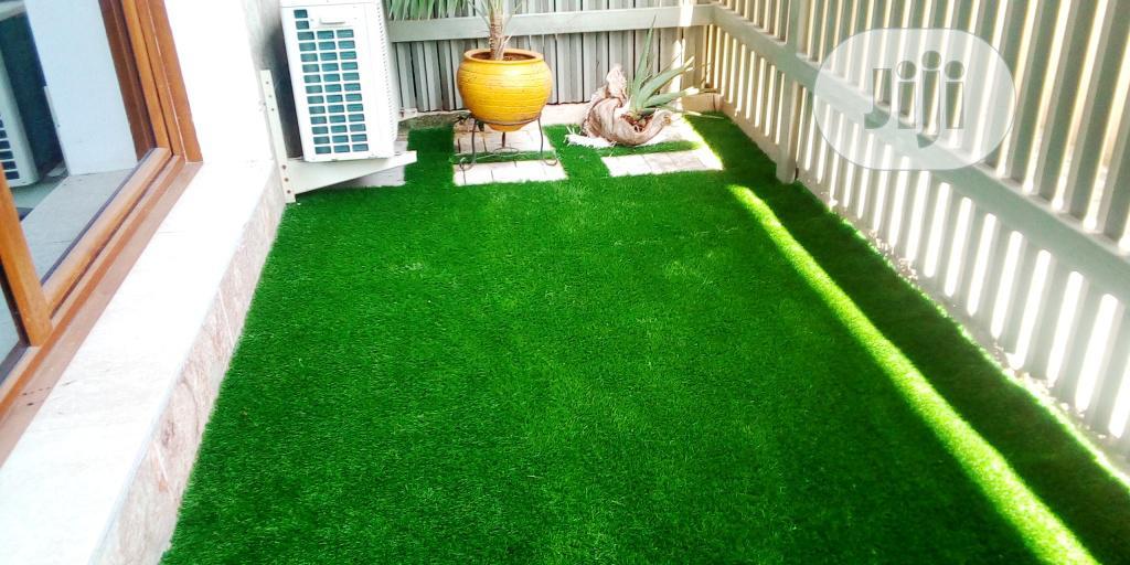 New & Quality Artificial Green Grass Carpet For Home & Garden.