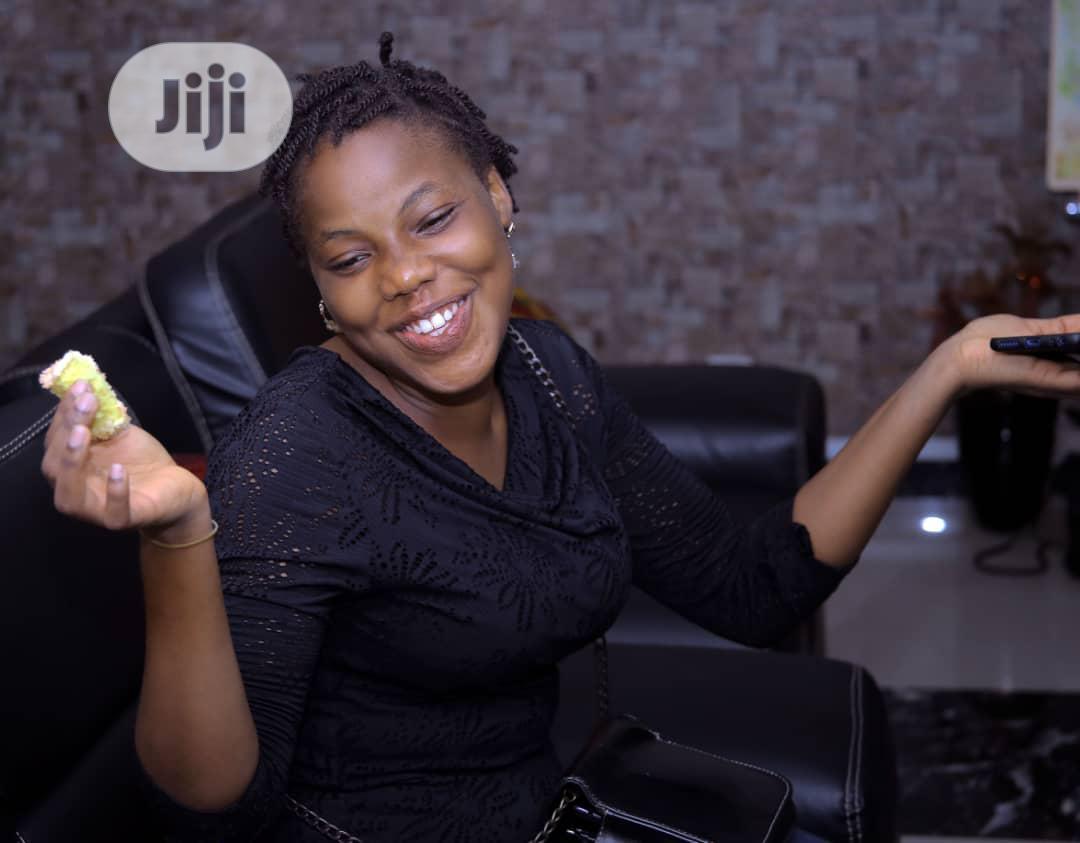 Female Model Job | Arts & Entertainment CVs for sale in Surulere, Lagos State, Nigeria